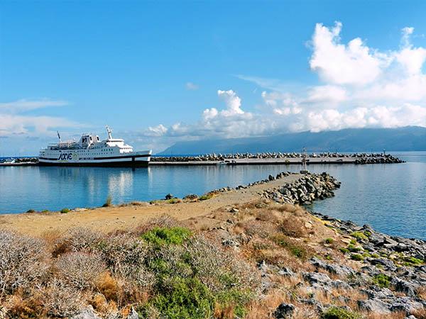 Kissamos Port